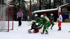 Tatiana Gurinchik sätter ett av sina sex mål mot Söråker. Bild: Larsgöran Svensson.
