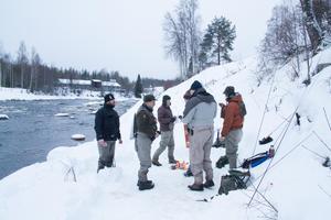 Åtta fiskare använde sina flugfiskespön vid Ore älv på nyårsdagen.