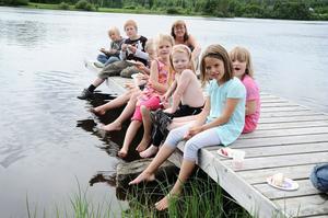Jordgubbstårtan blev mycket uppskattad av barnen.