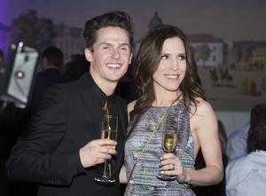 David Lindgren firade finalplatsen i Melodifestivalen med sin hustru Kristina Lindgren.