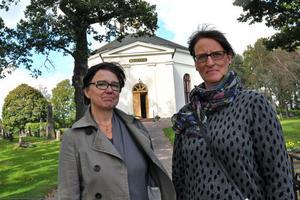 Maria Lennestig, chef för Mentalvårdsmuseet, och Susanne Håkansson, kyrkoherde i Säterbygdens församling, hoppas att det kommer många besökare till söndagens tänkarkväll i Silvbergs kyrka.