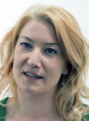 Elin Olofsson            2 nu är hon så jämtländsk någon kan bli, tar emot Jamtamotets hedersmedalj inom någon vecka. Artut!