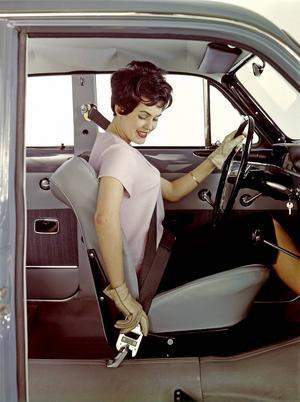 Med Volvos Amazon P120 och PV 544 fick säkerhetsbältet genomslag.