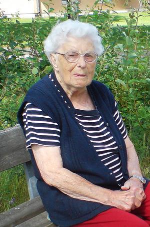 Lilly Carlbom fyller 100 år.