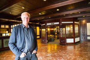Stefan Sundh gillar att se helheter. Redan när han köpte Avesta galleria, som tidigare hette Plushuset, hade han planer för hotellet.