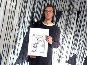 Ramzi Johansson liknar sin installation vid en tredimensionell teckning. Foto: Kristian Ekenberg