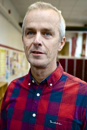 So-lärare Mats Rylander tycker själv att det är kul med nyheter. Han försöker få sina elever att tycka och tänka om sådant som pågår i världen.