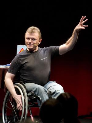 Lars-Göran Wadén har många idéer om hur samhället ska bli mer tillgängligt. Allt han egentligen vill är att vara som alla andra, att kunna fungera utan att något i omvärlden gör honom funktionshindrad.
