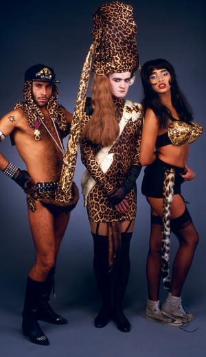 80-talsminne 4. Alexander Bard som Barbie, med sällskap av kollegorna Jean-Pierre Barda och Camilla Henemark. En 80-talsklassiker.
