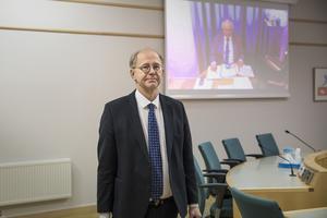 Thorsten Sennton är juridiskt ombud för Oy Sköna Hem och kommer att driva kravet om att kommunen ska ersätta det finska bolaget med 94 miljoner kronor.