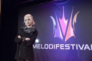 Yohio kom tvåa i fjolårets upplaga av Melodifestivalen. Om man ska tro kritiker och vadslagningsbyråer har han goda chanser att ta sig till final med nya låten