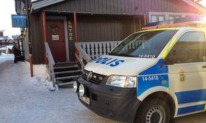 Någon eller några bröt sig in i restaurangen natten mot måndag. Polisen var på plats vid lunchtid.