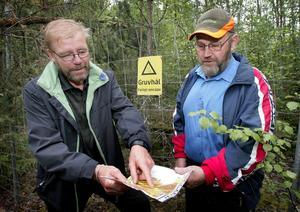Äger gruvhål. Tommy Fredriksson och Lars-Olof Larsson är de enda privatpersoner som hoppade på inmutningsrallyt när Bergslagens järnmalmer blev intressanta.