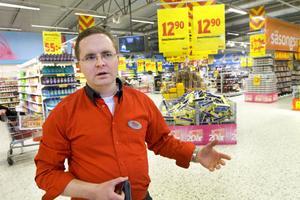 Maxi i Gävle finns inte med på Aftonbladets lista över butiker med anmärkningar. – Det är klart man blir besviken när kollegor i branschen håller sig på fel sida om gränsen, säger butikschefen Magnus Winges.