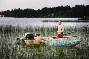 Peter Rosenquist och hans vänner klarade sig oskadda i land från den sjunkande båten, som de sedan fick bogsera i land.