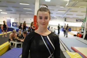 Under ett års tid har Amanda Engström fokuserat helhjärtat på truppgymnastiken och hennes framsteg har inte gått obemärkt förbi. Nu finns hon med i den trupp som Gefle GF har tagit ut till SM i truppgymnastiken i helgen.