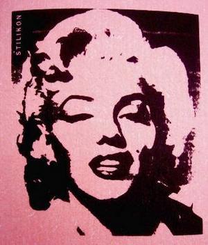Med Marilyn Monroe på disktrasan blir det roligare att torka bordet.