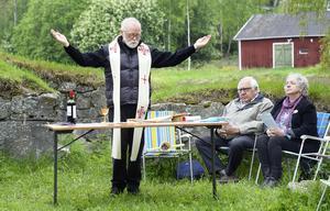 I samband med Nolbydagen på söndagen hölls en utomhusgudstjänst vid kapellruinen, Nolby högar.Kyrkoherden i Njurunda församling, Olof Lönneborg, höll i trådarna.