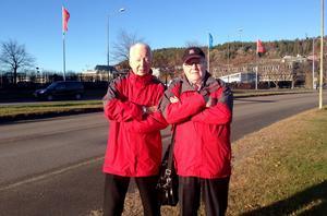 Motormännens kassör Claes-Håkan Sjölund och ordförande Rune Larsson är kritiska till vägförändringarna.