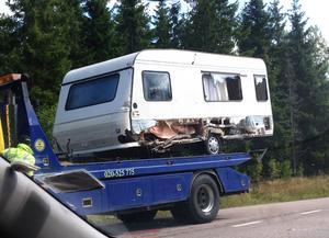Mc-föraren körde in i sidan på husvagnen.