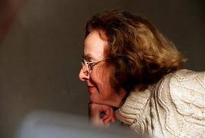 """Britt Jakobsson,  kulturskribent på LT:1. Jag väljer som en för åretmycket typisk självutlämnande dokumentär/roman Ann Heberleins """"Jag vill inte dö, jag vill bara inte leva."""" Den hör ihop med hela psykiatridebatten och Anna Odells videokonstverk om fejkad psykos. Lars Noréns Dagbokär också med på det tåget.2. De svenska romaner jag helst minns och ofta tänker på är """"Allt vi här drömma om.."""" av Erik Wijk och Stewe Claesons """"Än jublar fågelsången""""."""