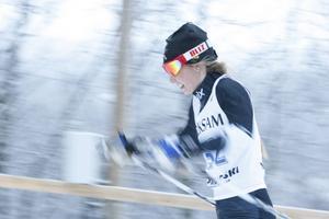 Hedda Bångman fightades länge om tredjeplatsen men föll tillbaka något under loppets slutskede och blev femma.