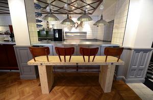 Designen av baren har gjorts av konsulten Andreas Lindberg tillsammans med plåtslagaren Jonas Djuse.