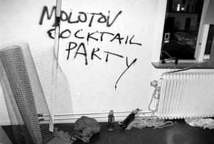 Vänsteraktivisters klotter inne i det ockuperade mejerihuset 18 november 1994.