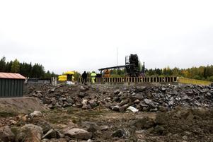 saknar avtal. De estniska arbetarnas jobb med att resa stålstommar på bygget i Södra Hemlingby stoppades sedan facket gripit in.
