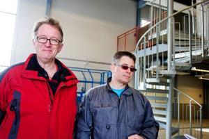 Anders Klasgren, vaktmästare och flyttsamordnare på skolan och Peter Allansson, lärare på energiprogrammet.