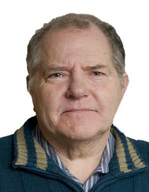 Dag Lindgren, professor i genetik, anser att vargparet i Idre inte ska flyttas.