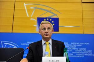 """Var finns Sverige i världen, är vi där eller är vi fortfarande en """"utpost"""" norr om det europeiska fastlandet? För besked, var god besök utrikesminister Carl Bildts blogg."""