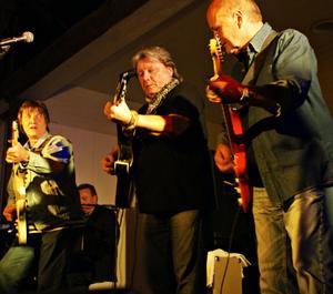 """Nostalgi. Shanes fick igång publiken med klassiker som """"Blue Feeling"""" och """"Somebody's taking Maria away""""."""