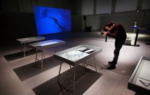 """Projektet saknar tjusigt namn. Det heter helt enkelt """"Östberget – en idé"""". Presentationen har fått stor plats i Färgfabrikens lokaler i den gamla sporthallen på I 5.   Foto: Håkan Luthman"""