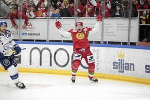 Mora IK med fans förtjänar att fira - men bör inte anpassa sig för mycket efter SHL. Foto: Lars Dafgård.