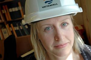"""GÅTT BRA. Linn Forsberg är projektansvarig för miljösatsningen vid Vattenfall i Älvkarleby. """"Vi är något försenade, annars har arbetet gått bra,"""" säger hon."""