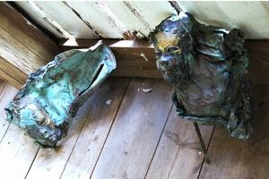 Petter Petterssons ärgade bronsansikten är drömska och fascinerande.