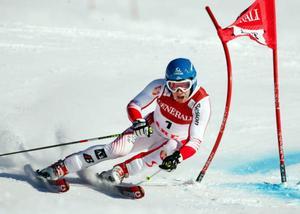 Benjamin Raich vann storslalomen och knappade därmed in 100 poäng på Aksel Lund Svindal i totala världscupen. Inför dagens slalom skiljer det endast 2 poäng dem emellan.Didier Cuche, Schweiz,  tappade staven tidigt i det första åket. Men han tog sig ner på en bra tid och slutade sedan på en tredjeplats.