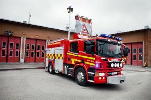 Efter semestrarna kan det nya förstafordonet tas i bruk hos Räddningstjänsten i Hudiksvall. Tre och en halv miljon plus moms kostar den nya bilen som är utrustad med den allra senaste släckningstekniken.