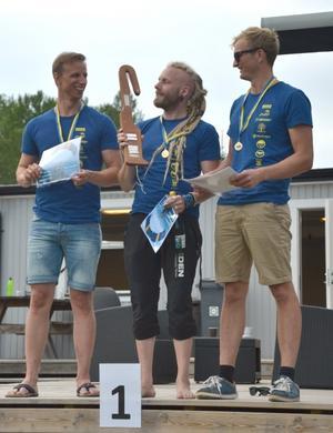 Team Entangled, Fallskärm Gefle, tog guld på SM iCanopy Formation CF-2 sekvens, fr v Lars Eriksson, Henrik Norin och Jonas Nilsson.