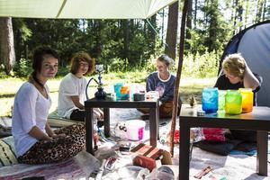 Michelle Björndal, Noah Deutschmann, Julia Persson och Moa Barchéus har campat i Näsåker sedan i måndags.