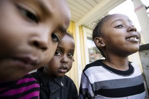 Tio flyktingbarn ska gå i förskolan till dess de är mogna att börja i en