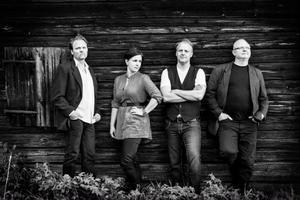 Eastwick är tillbaka med helt eget material, fr v Jens Ganman, Katarina Åhlén, Peter Roos och Bo Lindberg.