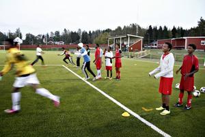 Ockelbo IF är en av de föreningar som redan i dag arbetar aktivt med integration. Här en bild från fotbollsträning för nyanlända.