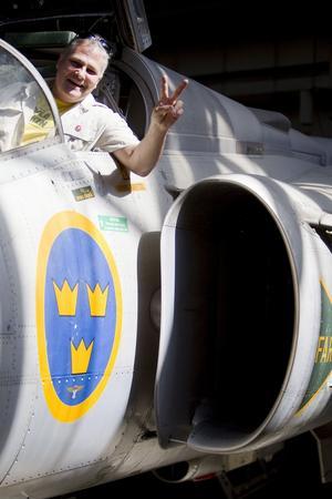 Lyckostund. Benny Andersson från Surahammar fick sin barndomsdröm uppfylld när han provsatt ett Saab 37 Viggenplan.