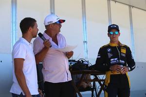Förbundskaptenen för landslaget i bilsport, Magnus Lampert (till vänster) och racingföraren Victor Bouveng (till höger).