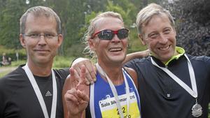 Stafettvinnarna Henrik Andersson, Jonas Lennestål och Lasse Ekendahl.