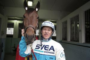 Travkusken Örjan Kihlström fyller 55 år. Här tillsammans med hästen Whoopee.