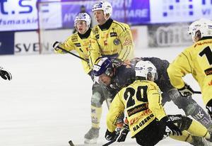Stefan Larsson känner att kroppen håller – och trivs fortfarande bäst i hetluften i elitserien. Allsvenskan var egentligen inget alternativ.