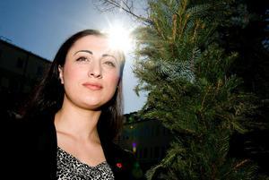 Leyla Celik lämnar ordförandeposten och kommunfullmäktige.